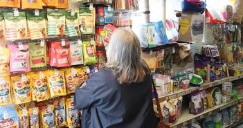 Chepstow Pet Supplies - customer shopping 3