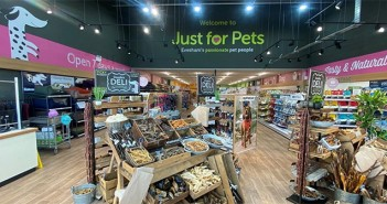 Just for Pets – store interior